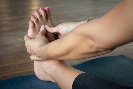 辛い手足の「むくみ」、予防はこの4つのポイント!?