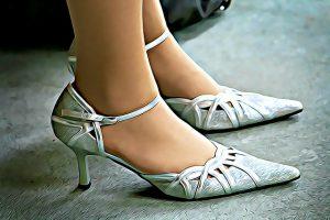 縫い目の多い靴